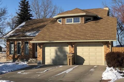 House for sale at 2615 Lacombe Cres E Regina Saskatchewan - MLS: SK803064