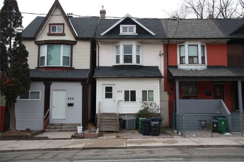 Townhouse for rent at 262 Broadview Ave Toronto Ontario - MLS: E5084995