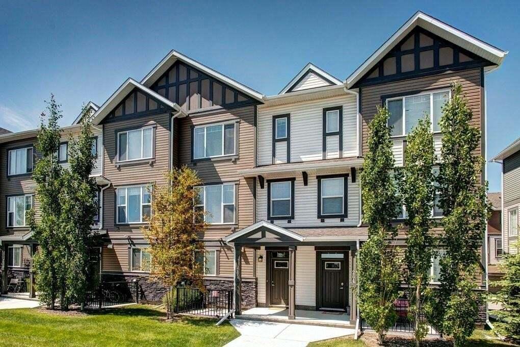 Townhouse for sale at 262 New Brighton Wk SE New Brighton, Calgary Alberta - MLS: C4306166