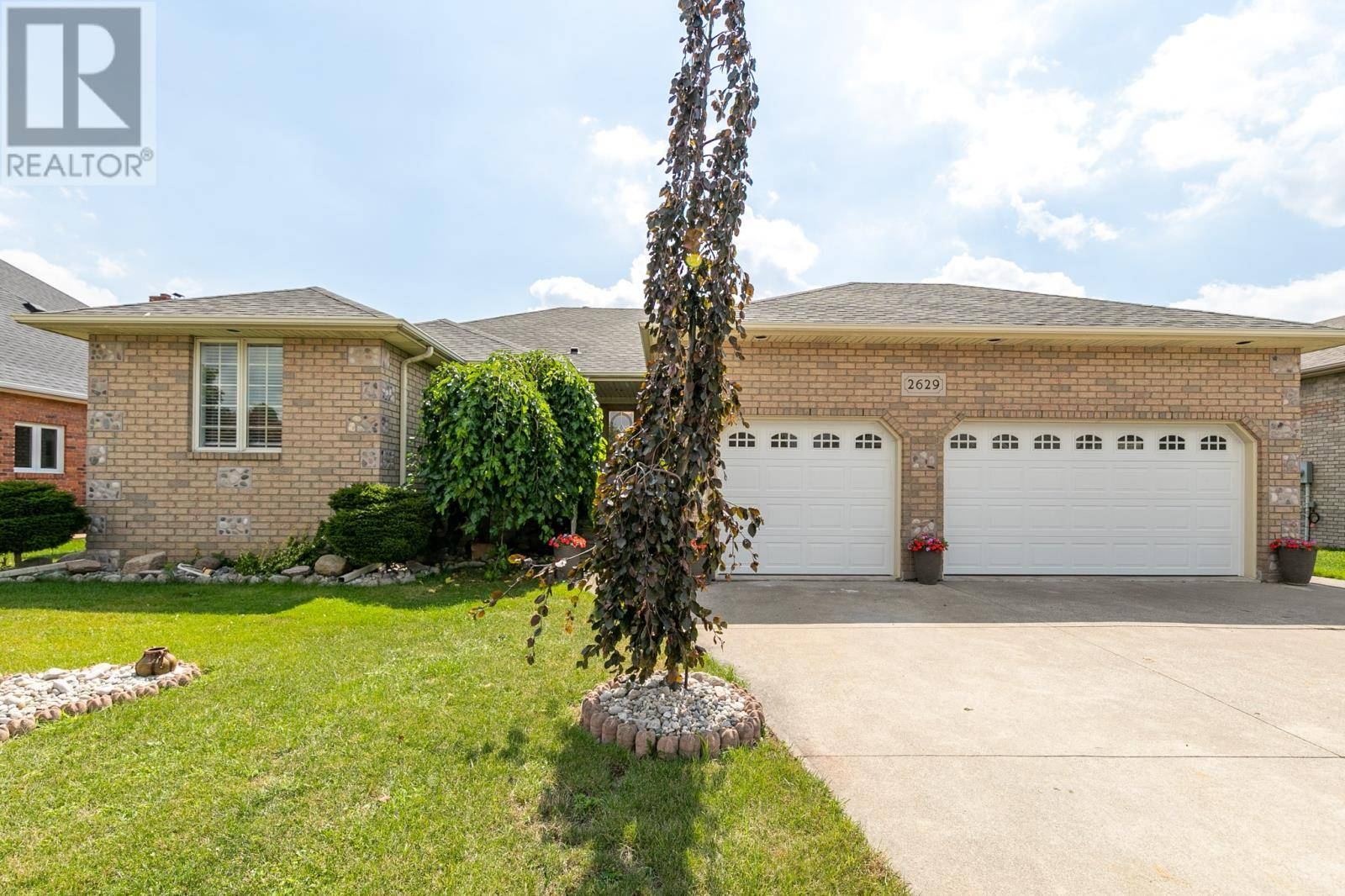 House for sale at 2629 Paul Martin Ct Windsor Ontario - MLS: 19024128