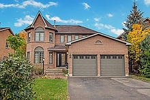 For Sale: 263 Chambers Crescent, Newmarket, ON | 4 Bed, 4 Bath House for $1,099,000. See 20 photos!