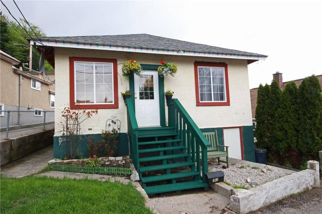 House for sale at 263 Hendry St Trail British Columbia - MLS: 2438230