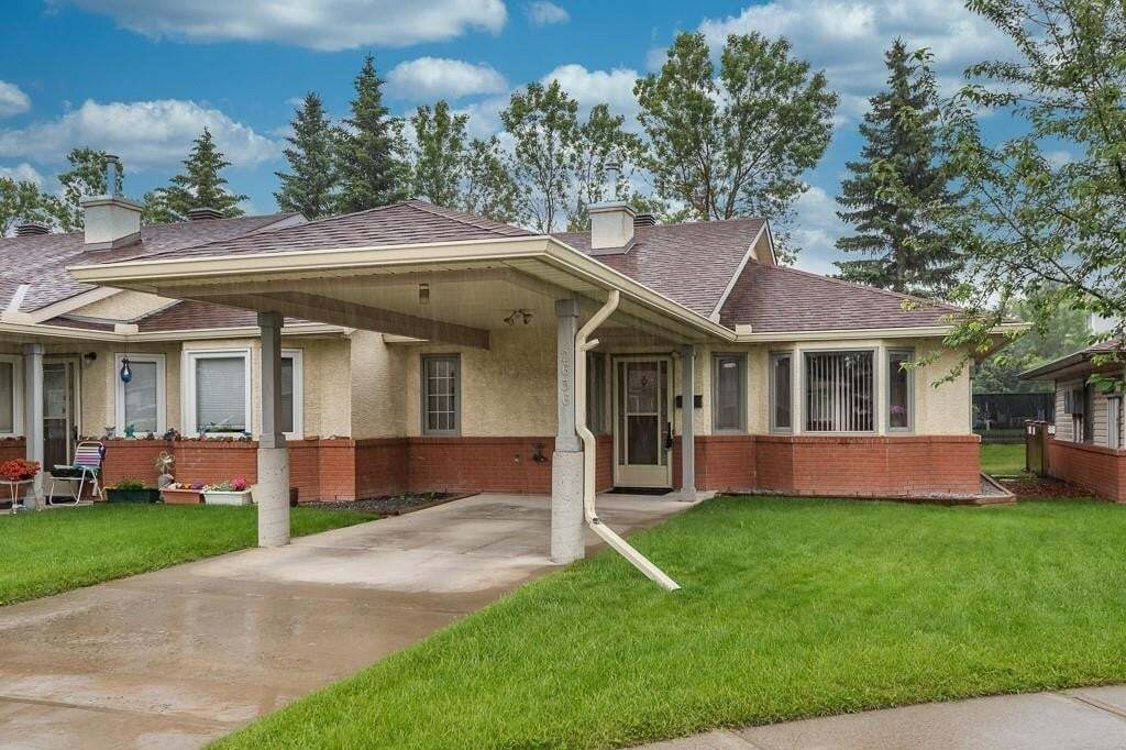 Townhouse for sale at 2636 Dovely Co SE Dover, Calgary Alberta - MLS: C4305851
