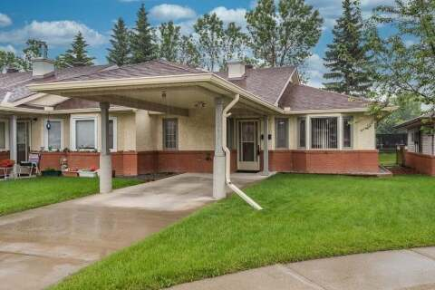 Townhouse for sale at 2636 Dovely Ct Southeast Calgary Alberta - MLS: C4305851