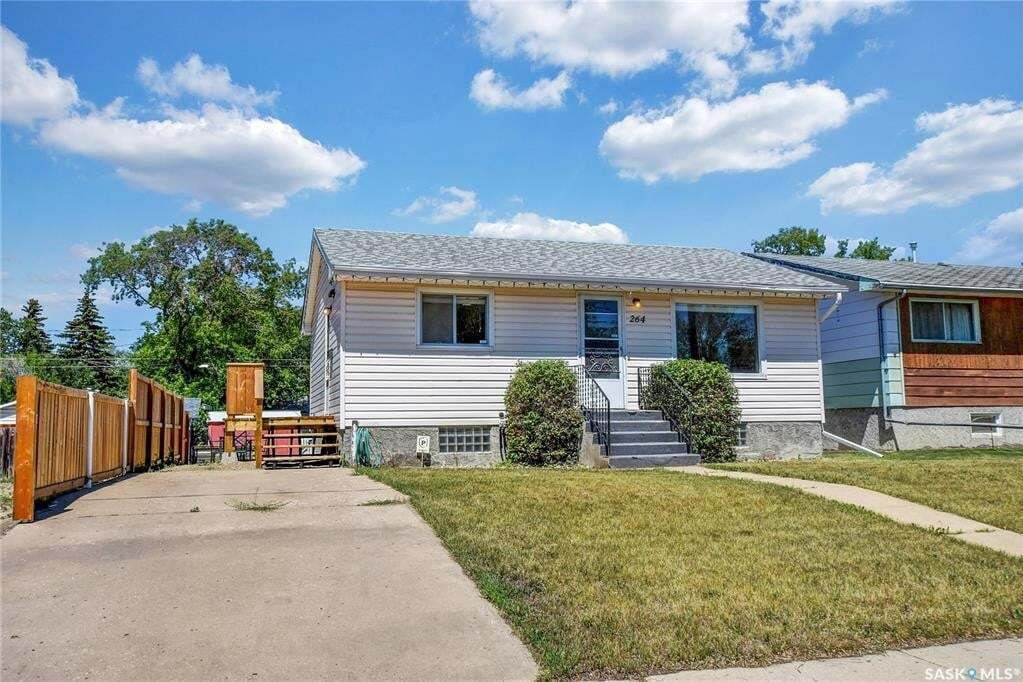House for sale at 264 Grandview St W Moose Jaw Saskatchewan - MLS: SK815129