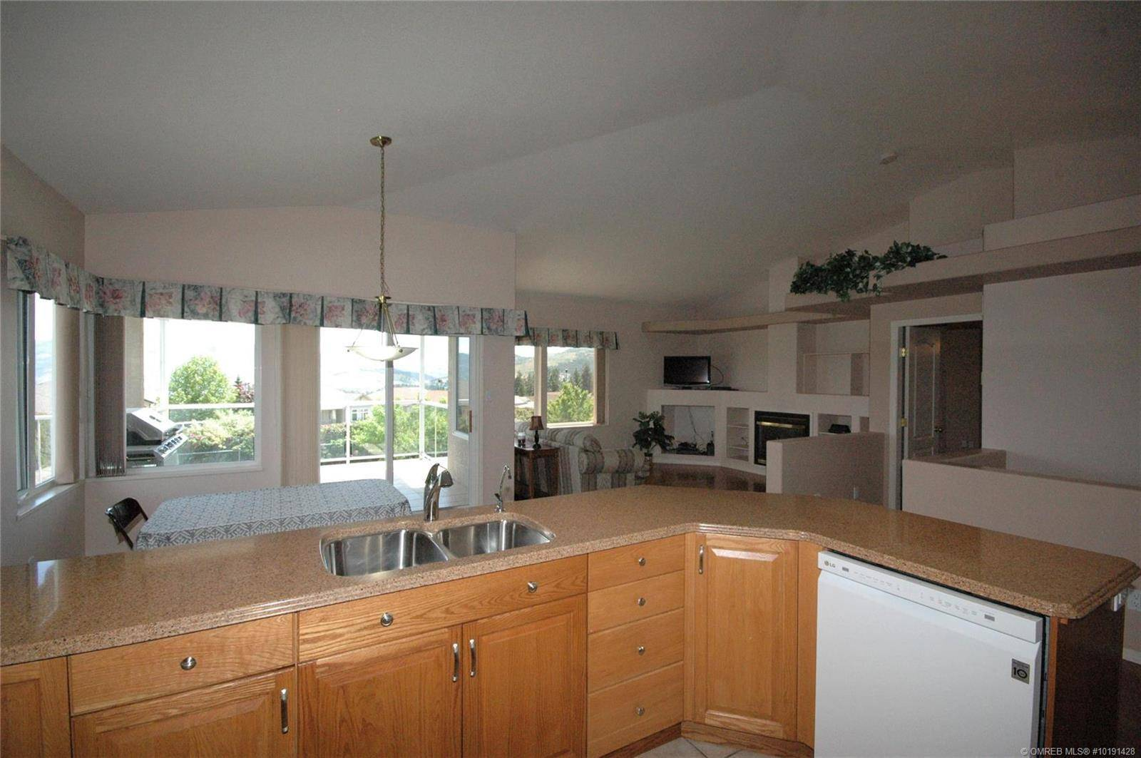 2641 Copper Ridge Drive, West Kelowna   Image 2