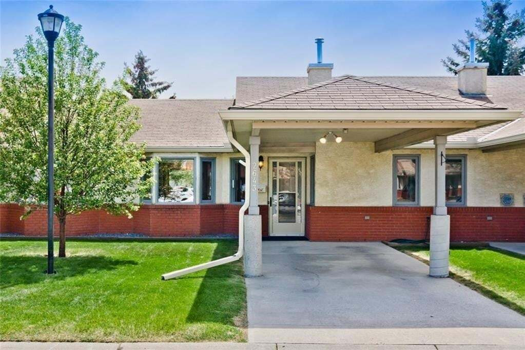 Townhouse for sale at 2643 Dovely Co SE Dover, Calgary Alberta - MLS: C4291639