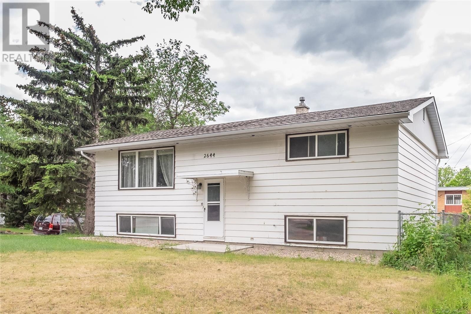 House for sale at 2644 Dominion Rd Regina Saskatchewan - MLS: SK831533