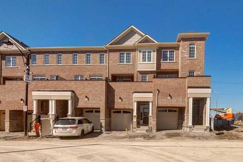 Townhouse for sale at 265 Harding Park St Newmarket Ontario - MLS: N4389036
