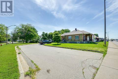 House for sale at 2656 Howard  Unit 2656-2664-26 Windsor Ontario - MLS: 19020814