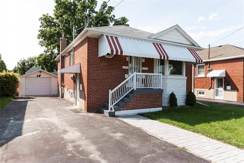 House for rent at 266 34th St East Hamilton Ontario - MLS: H4061237