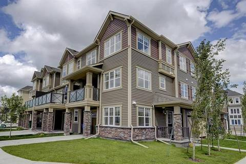 Townhouse for sale at 266 Hillcrest Sq Southwest Airdrie Alberta - MLS: C4285065