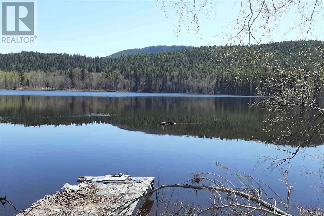 Home for sale at 2661 Eagle Creek Rd Canim Lake British Columbia - MLS: R2455419