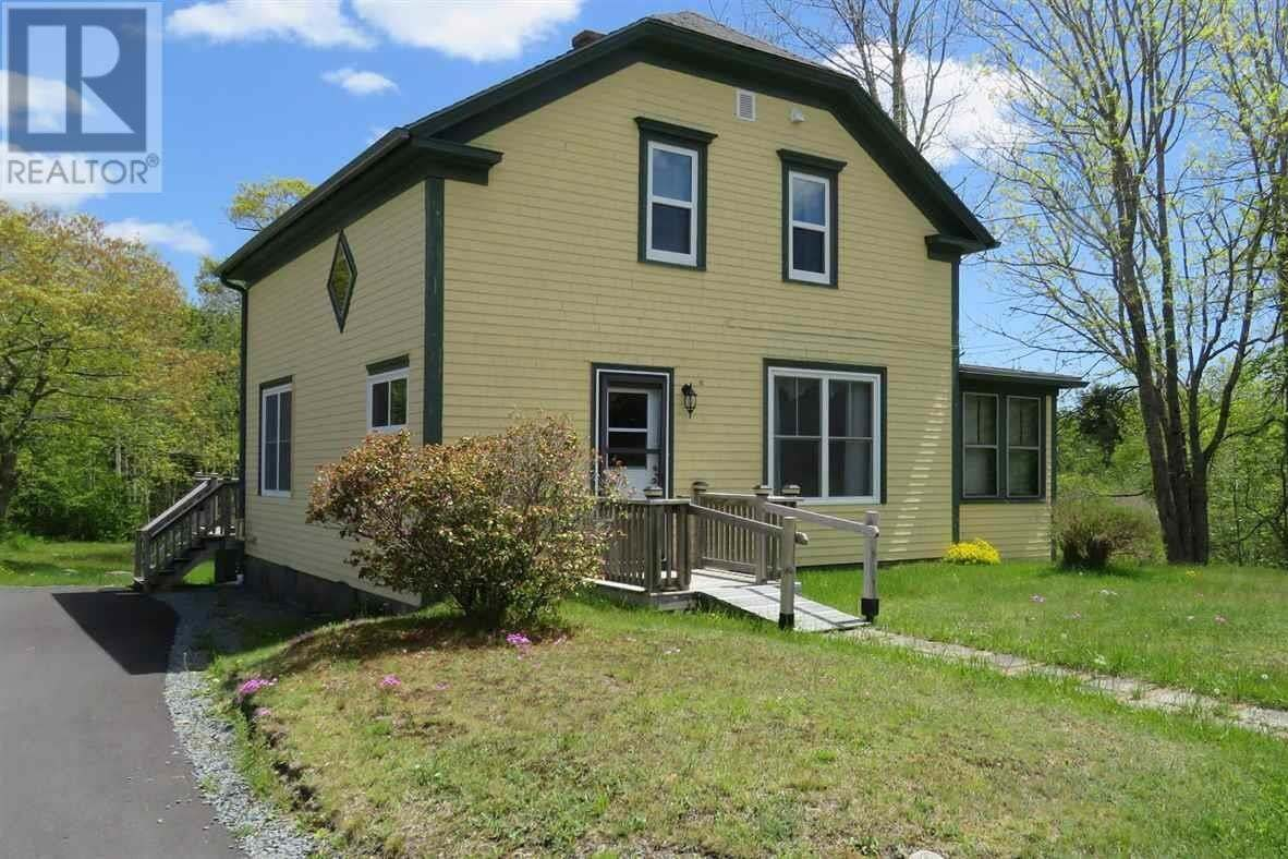 House for sale at 267 White Point Rd Liverpool Nova Scotia - MLS: 202003221