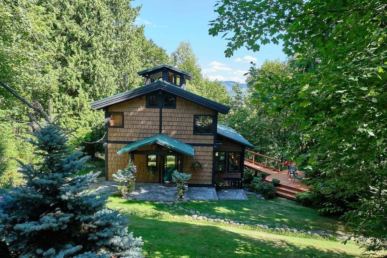 House for sale at 2680 Cook Ave Rossland British Columbia - MLS: 2454144
