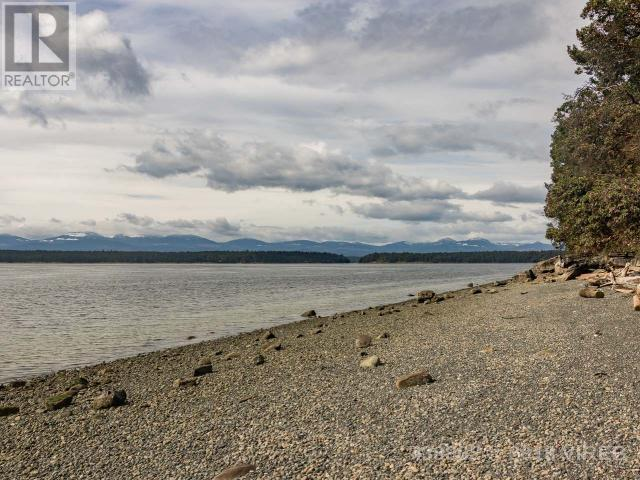 For Sale: 2689 Islands View Drive, Gabriola Island, BC | 4 Bed, 3 Bath House for $888,000. See 25 photos!