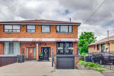 Townhouse for sale at 26 Laurel Ave Toronto Ontario - MLS: E4806137