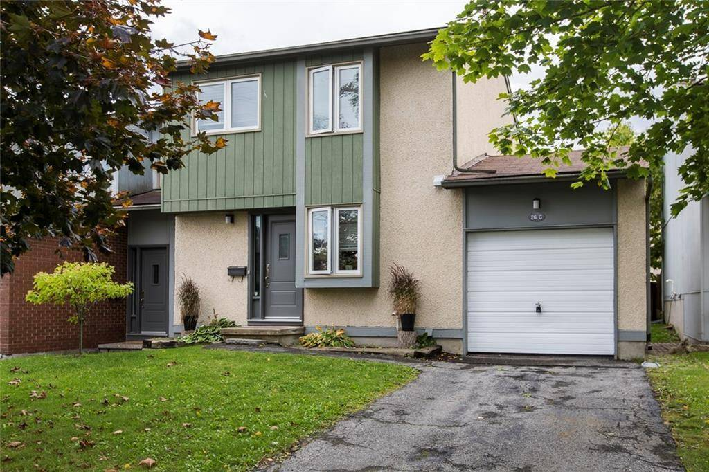 Townhouse for sale at 26 Benlea Dr Ottawa Ontario - MLS: 1168056