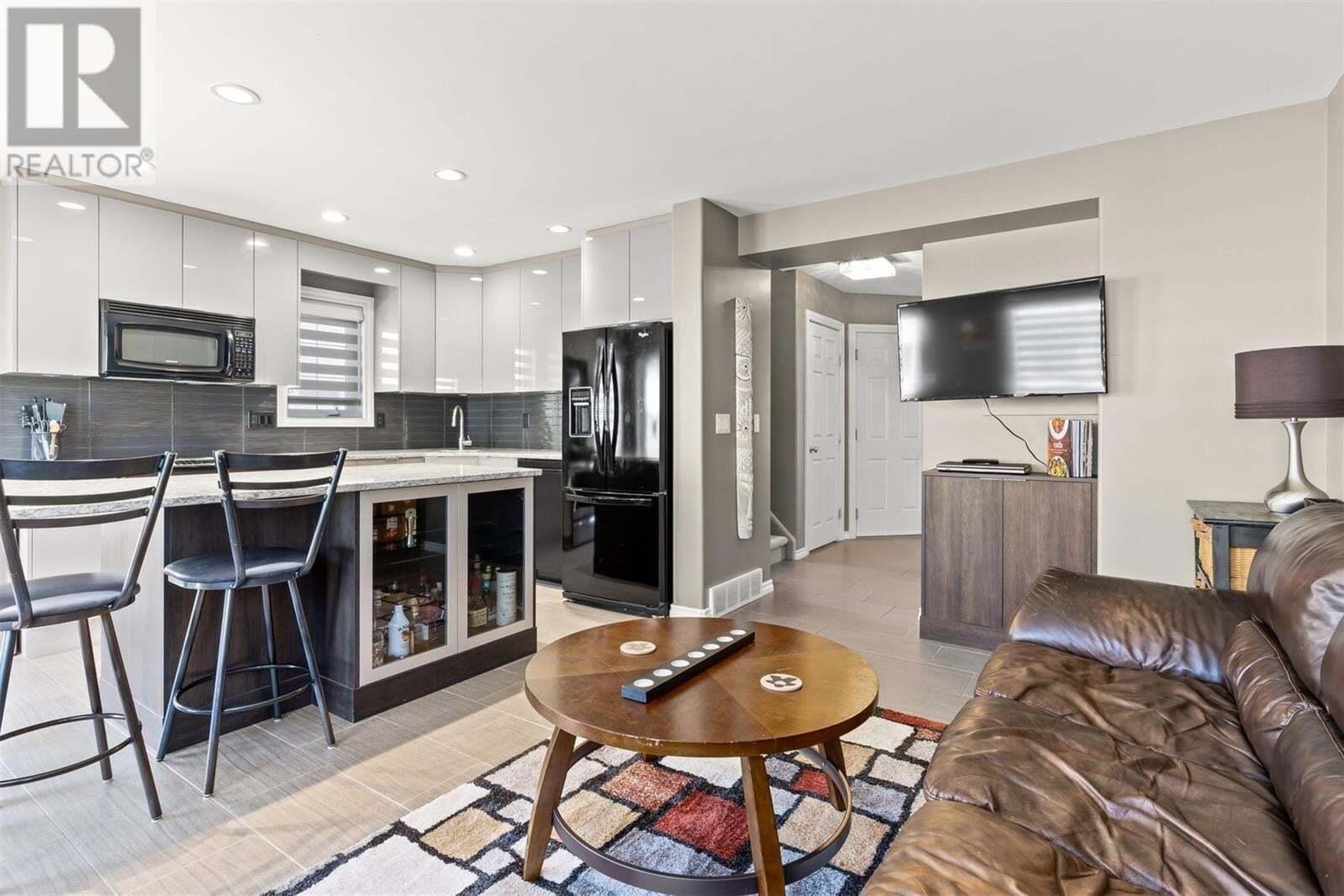 Townhouse for sale at 3101 Tregarva Dr E Unit 27 Regina Saskatchewan - MLS: SK819441