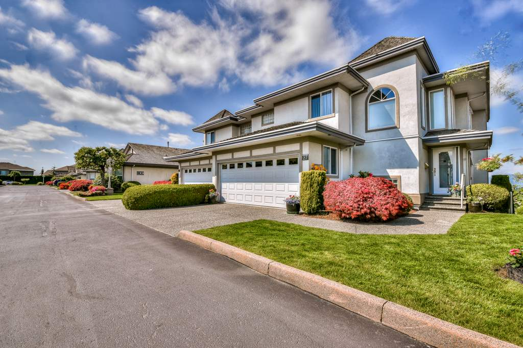 For Sale: 27 - 31445 Ridgeview Drive, Abbotsford, BC | 3 Bed, 4 Bath Townhouse for $699,900. See 20 photos!