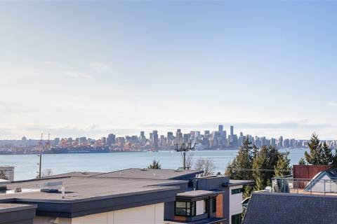 Townhouse for sale at 533 3rd St E Unit 27 North Vancouver British Columbia - MLS: R2441143