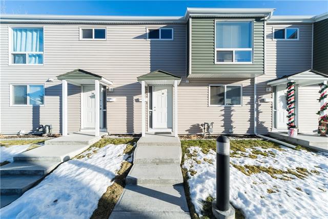 Buliding: 5425 Pensacola Crescent Southeast, Calgary, AB