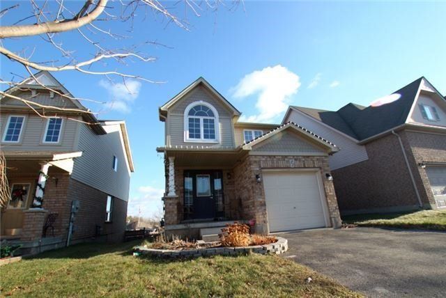 For Sale: 27 Benjamin Crescent, Orangeville, ON | 3 Bed, 2 Bath House for $549,900. See 17 photos!