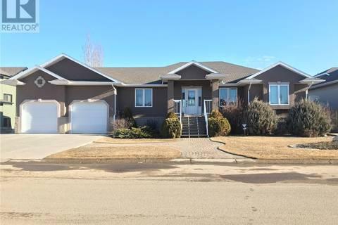 House for sale at 27 Bridger Dr Meadow Lake Saskatchewan - MLS: SK804162