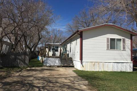 Residential property for sale at 27 Cypress Mobile Home Pk Maple Creek Saskatchewan - MLS: SK768224