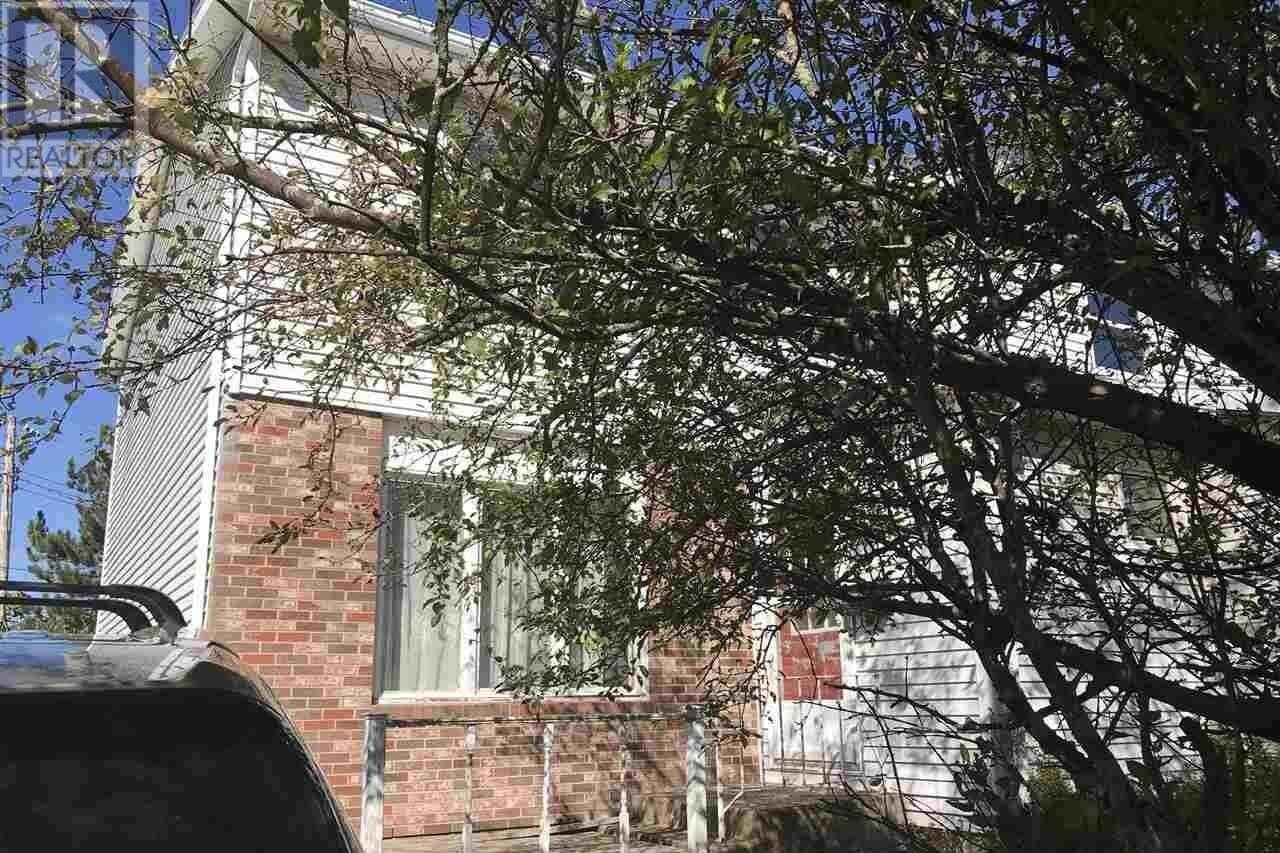 Townhouse for sale at 27 Dawson Ct Charlottetown Prince Edward Island - MLS: 202021334