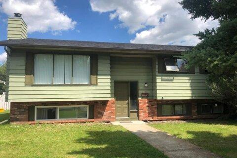 House for sale at 27 Deercrest Cs SE Calgary Alberta - MLS: A1042680