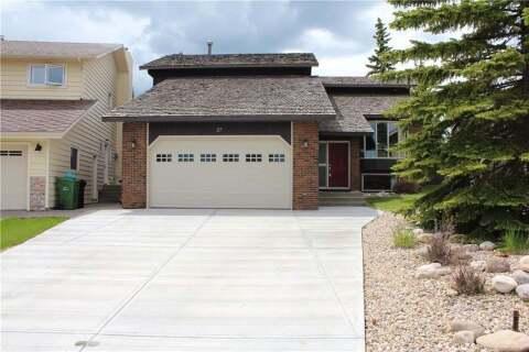House for sale at 27 Edgeland Me NW Calgary Alberta - MLS: C4302582