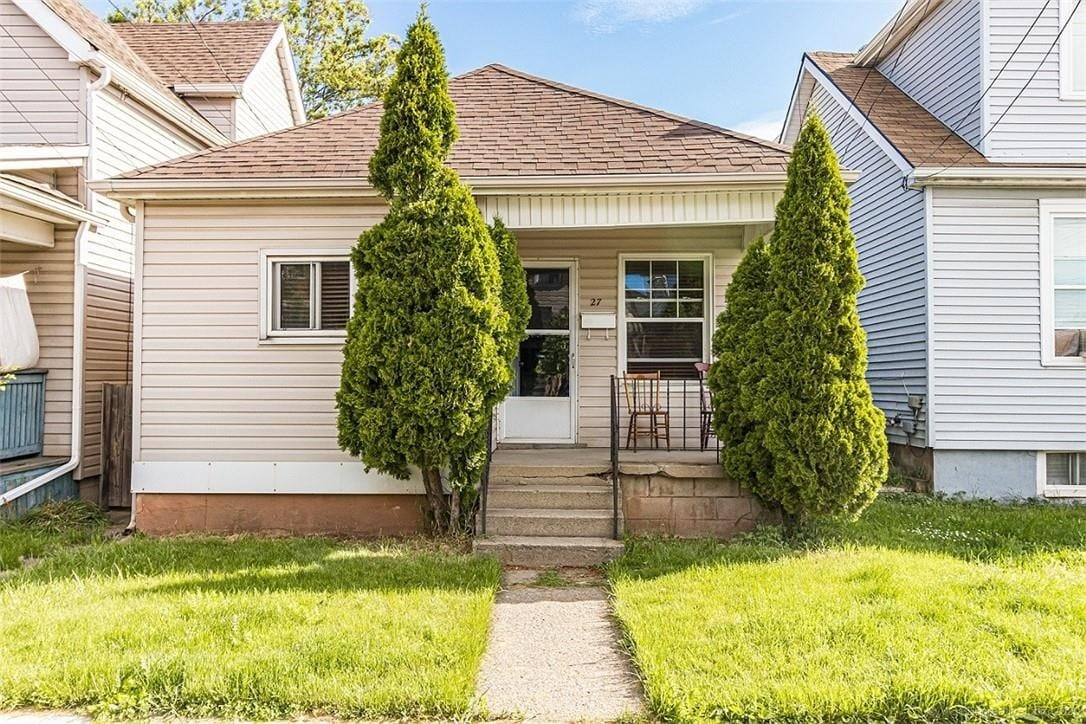 House for sale at 27 Edinburgh Ave Hamilton Ontario - MLS: H4079025