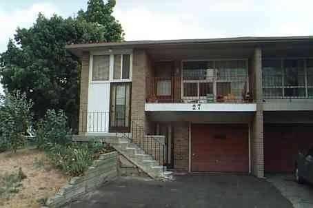 Townhouse for sale at 27 Glenstroke Dr Toronto Ontario - MLS: E4670379
