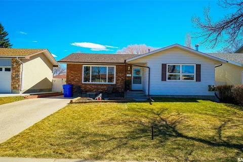 House for sale at 27 Hayes Cres Regina Saskatchewan - MLS: SK772850