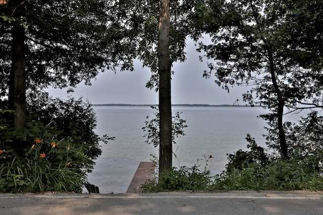 For Sale: 27 Lakeshore Road, Brock, ON   3 Bed, 3 Bath House for $949,000. See 20 photos!