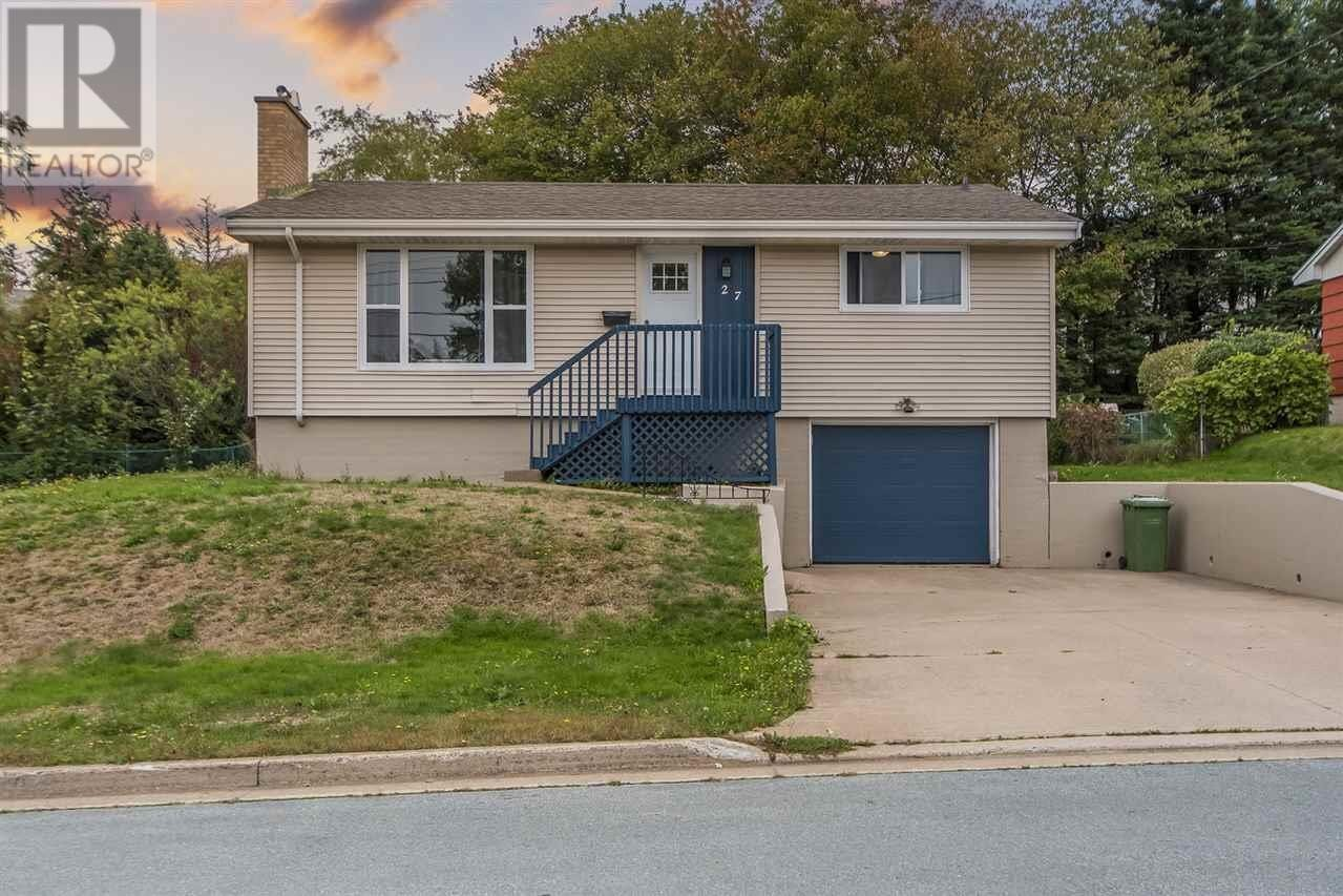 House for sale at 27 Lynn Dr Dartmouth Nova Scotia - MLS: 202020886