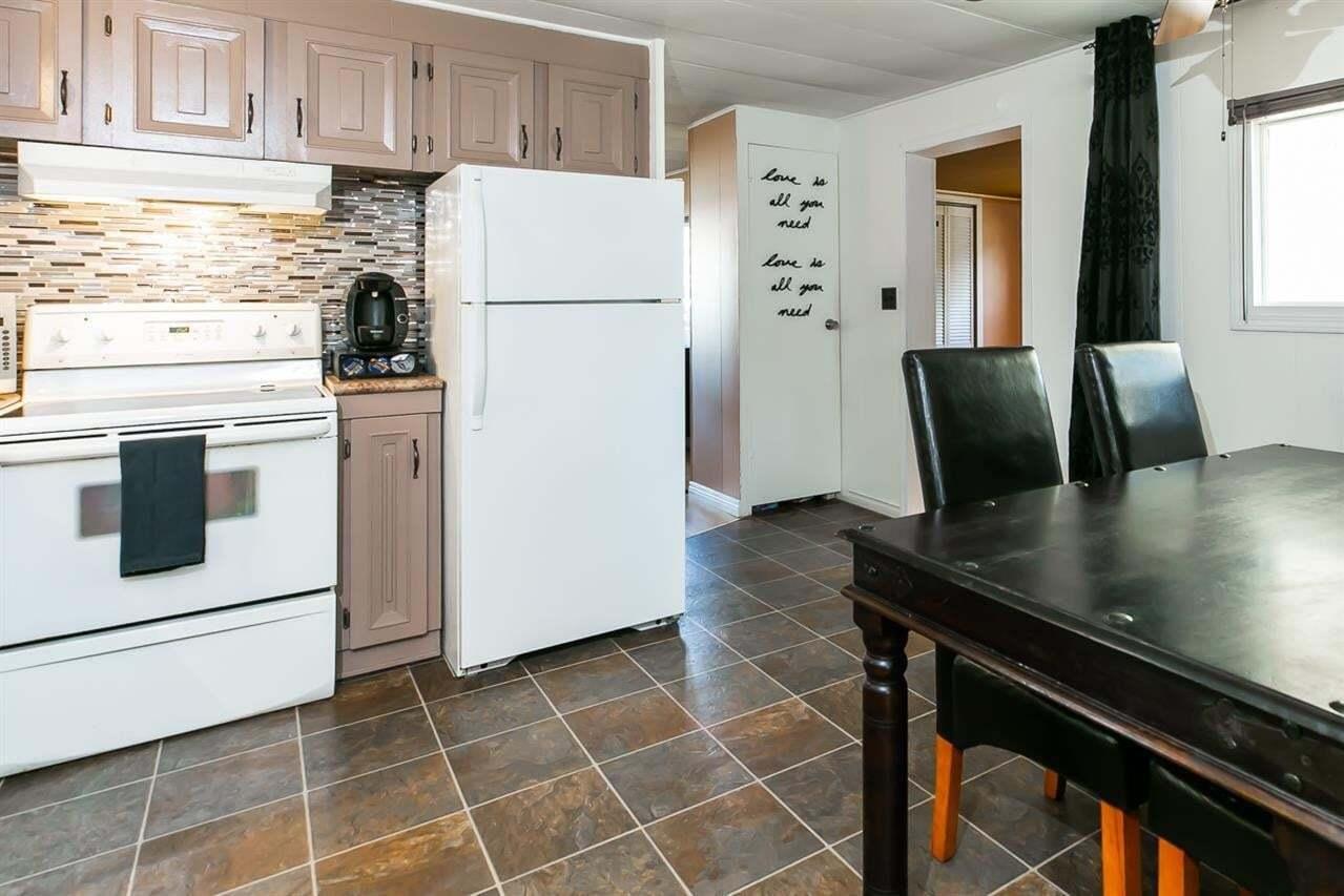 Residential property for sale at 27 Maple Ridge Dr SE Edmonton Alberta - MLS: E4200460