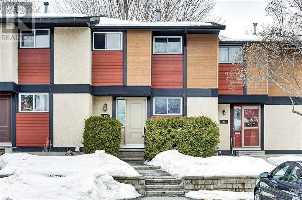 Townhouse for sale at 27 Mcclintock Wy Ottawa Ontario - MLS: 1183789