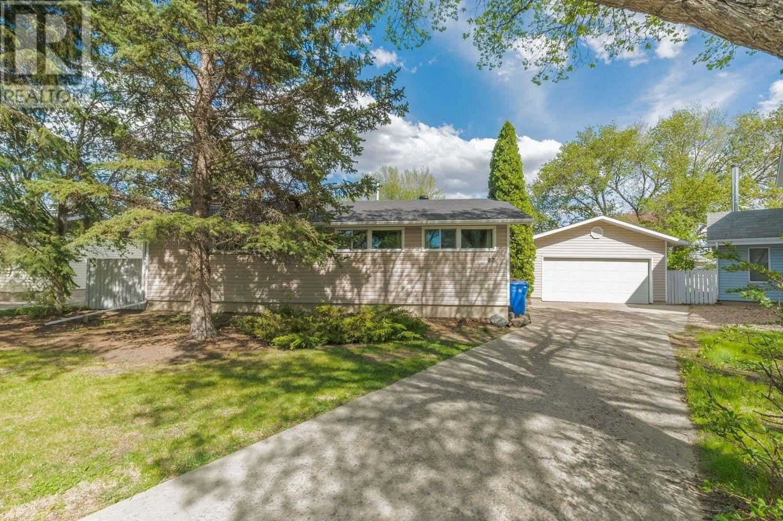 House for sale at 27 Mcinnis Cres Regina Saskatchewan - MLS: SK809394