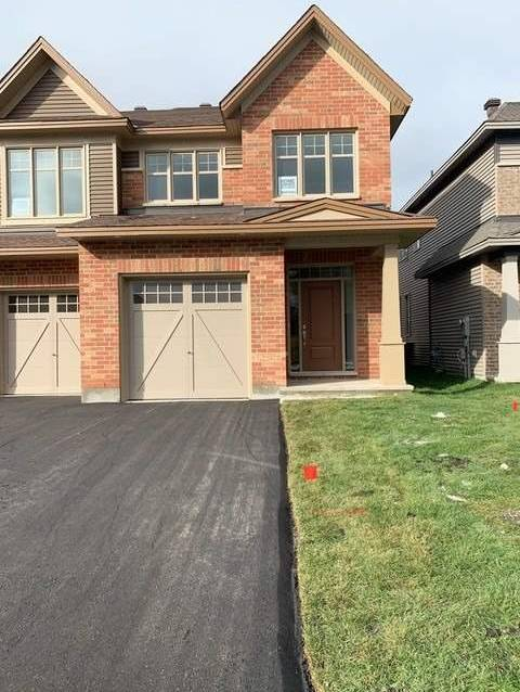 Townhouse for rent at 27 Merrill St Ottawa Ontario - MLS: X4649356