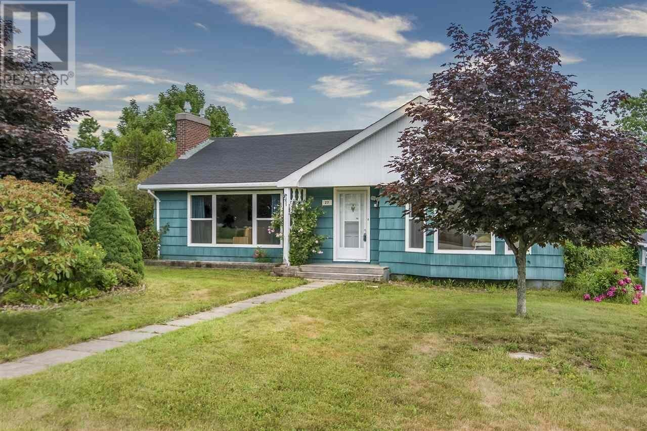 House for sale at 27 Orchard St Bedford Nova Scotia - MLS: 202012550