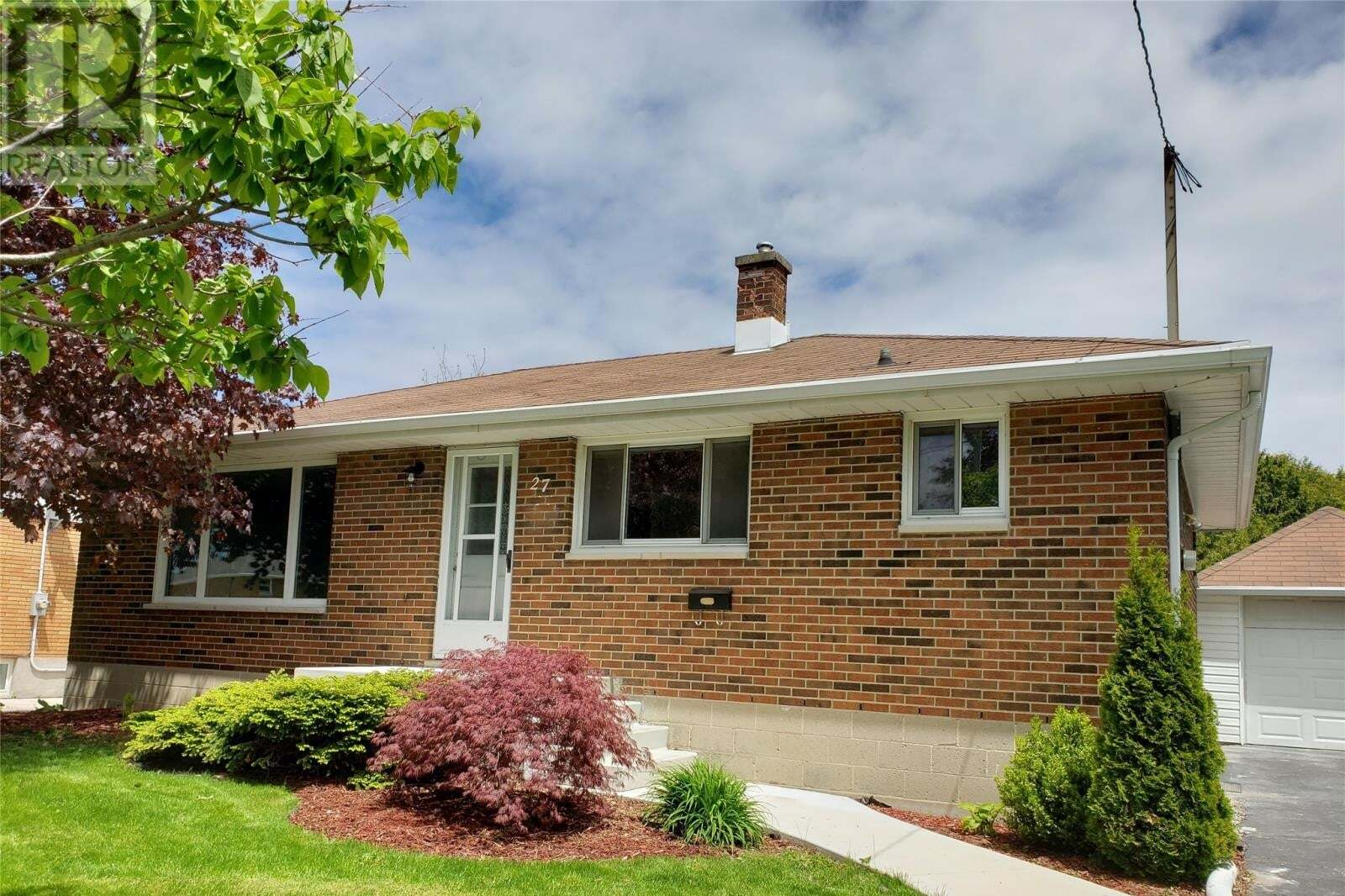 House for sale at 27 Peter Street  Chatham Ontario - MLS: 20005613