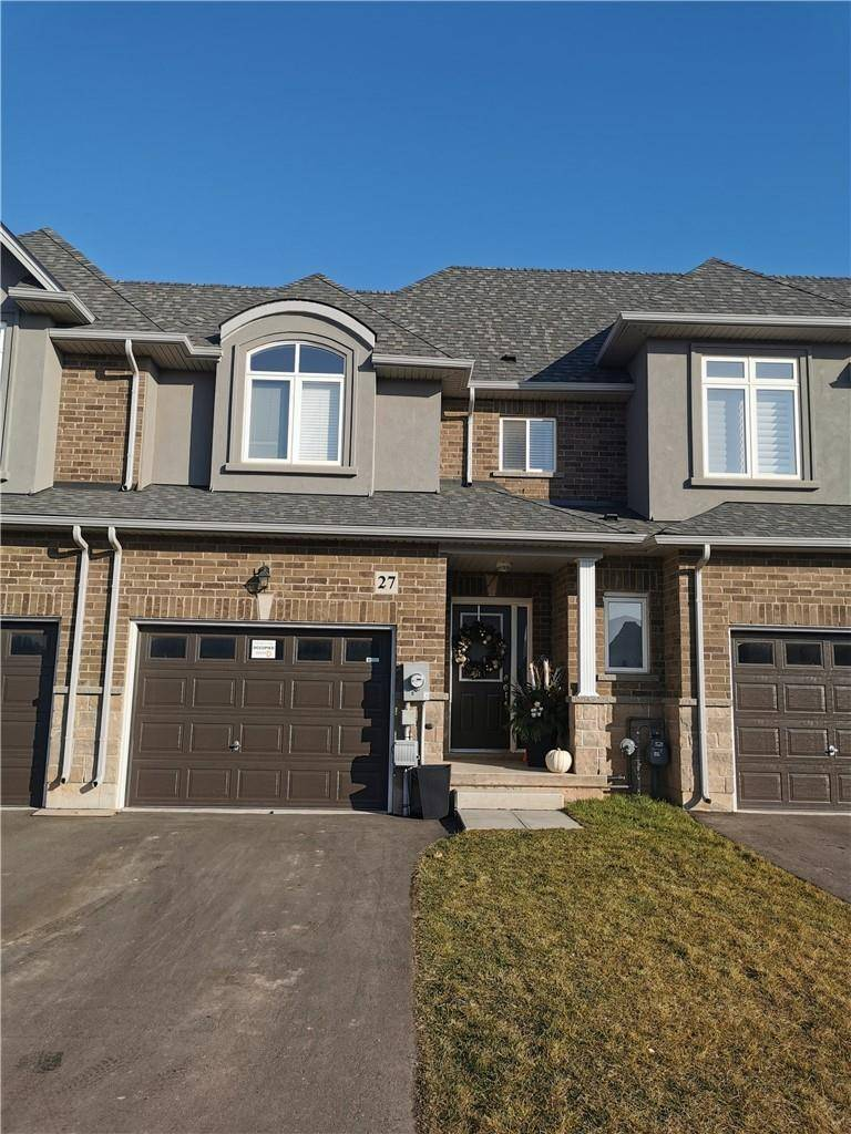 Townhouse for sale at 27 Pinot Cres Stoney Creek Ontario - MLS: H4068423