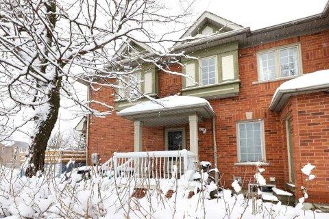 Townhouse for sale at 27 Quail Feather Cres Brampton Ontario - MLS: W5055406