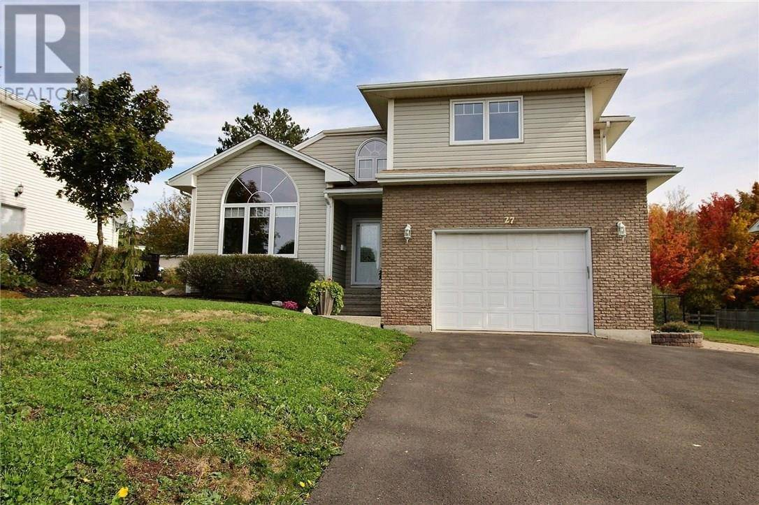 House for sale at 27 Silverwood Cres Moncton New Brunswick - MLS: M125863