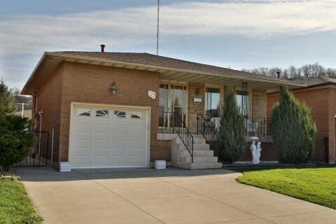 House for sale at 27 Tara Ct Hamilton Ontario - MLS: X4996829