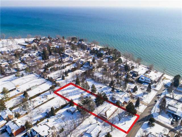 For Sale: 27 Third Line, Oakville, ON | 3 Bed, 2 Bath House for $2,890,000. See 6 photos!