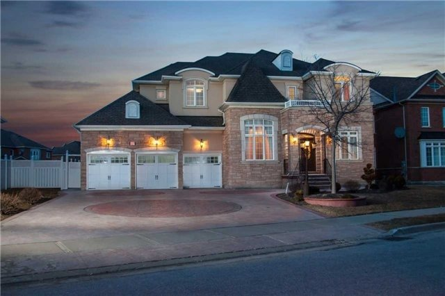 For Sale: 27 Upper Ridge Crescent, Brampton, ON | 5 Bed, 5 Bath House for $1,499,000. See 19 photos!