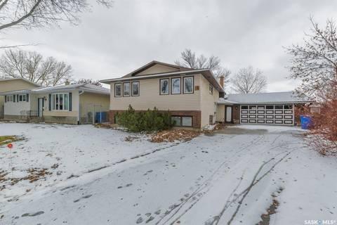 House for sale at 27 Wheeler Cres Regina Saskatchewan - MLS: SK790465